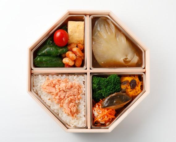 海の恵みと大地のチカラスペシャル弁当 2,376円(税込)