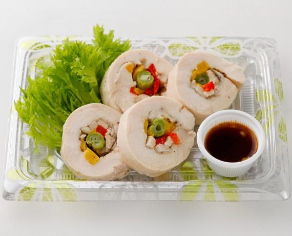 鶏胸肉のロール蒸し焼き 540円(税込)