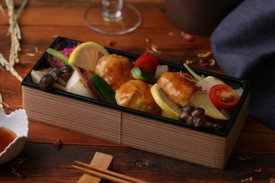 鶏つくねと彩り野菜+ごはん 1,080円(税込)